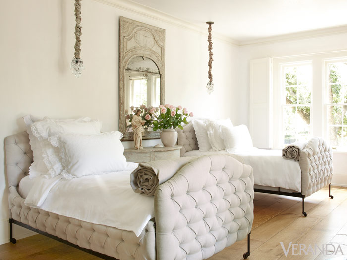 To Allow Forms And Textures To Come To The Fore, Designer Pamela Pierceu0027s  Houston House, Down To The Guest Rooms, Is Pattern Free. Napoleon III  Tufted Beds ...