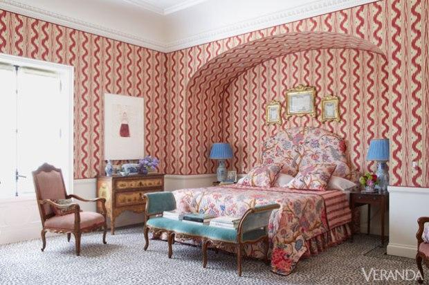 1428602311-540f5c4961008-ver-beverly-field-patterened-bedroom-2-de